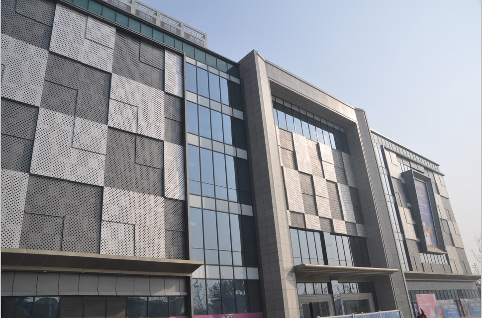 木纹铝单板生产厂家注重技术创新并且要提